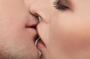 10 Simple Facts You Did Not Know About Kissing